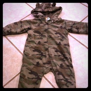 Camo baby bunting 6-9 months fuzzy and warm